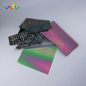 Rainbow reflective material